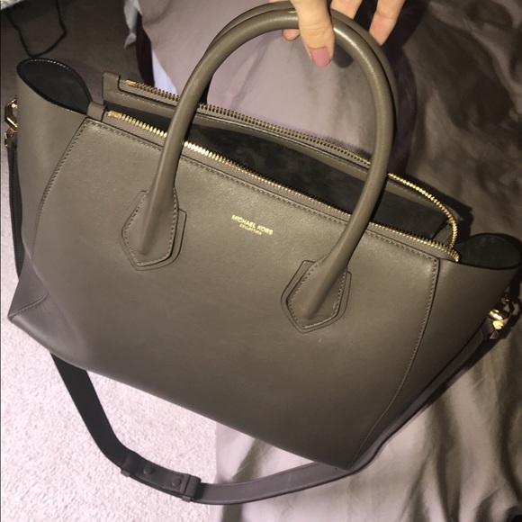 a9d9de2021e7 Michael Kors Bags | Limited Edition Runway Bag | Poshmark